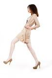 Mannequin die in Trendy Bruine Kleding lopen. Het winkelen Royalty-vrije Stock Afbeeldingen