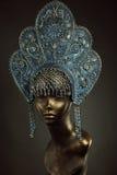 Mannequin-Mädchen im kokoshnik Lizenzfreies Stockbild