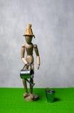 Mannequin mit Gießkanne Lizenzfreie Stockfotografie