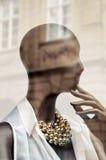 Mannequin nella finestra di memoria. Fotografia Stock
