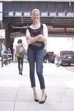 Mannequin Summer Street Style pendant la semaine de mode images stock