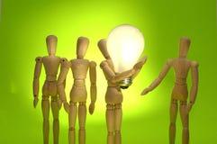 Mannequin-Team, das eine große Idee darstellt Lizenzfreies Stockbild