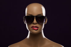 Mannequin wearing fashion sunglasses Royalty Free Stock Photography