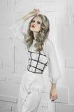 Mannequin in wit kostuum royalty-vrije stock afbeeldingen