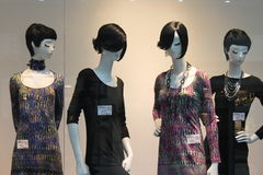 Mannequins in den Kleidern Lizenzfreie Stockbilder