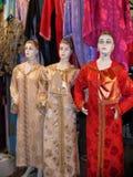 Mannequins in den langen Kleidern stockbilder