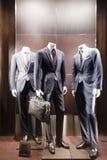 Mannequins em uma loja da forma Fotos de Stock