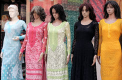 Mannequins in fashion clothing shop Royalty Free Stock Photography