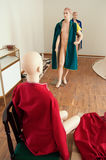 Mannequins gdy zmieniający odziewa za scenami 2 Zdjęcie Stock