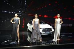 Mannequins op Infiniti QX30 SUV Royalty-vrije Stock Fotografie