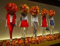 Mannequins w gablocie wystawowej. Fotografia Royalty Free