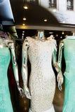 Mannequins w okno sklepie Obraz Royalty Free