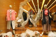 Mannequins Year End de Windows dos boutiques Imagens de Stock
