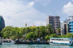 "MANNETJE, de MALDIVEN †""November, 2017: strandboulevardpromenade in Mannetje, de Maldiven stock foto"