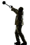 Manngefangenverbrecher mit Kettenkugel Stockfotos