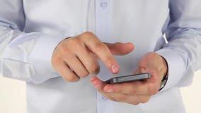 Mannhände unter Verwendung des Smartphone stock video