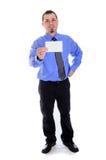 Mannhemd und -bindung, die leere Karte halten Stockfotos