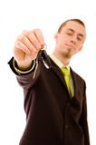 Mannholding-Autotasten Lizenzfreie Stockfotografie