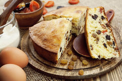 Mannik, semolina cake with dried fruits Royalty Free Stock Photos