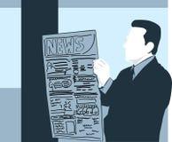 Mannlesenachrichtenpapier Lizenzfreies Stockfoto
