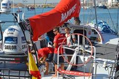 Mannschaftsmitglied Carlos Hernandez Aboard Mapfre Lizenzfreies Stockbild
