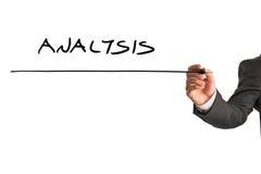 Mannschreiben Analyse auf einem virtuellen Schirm Lizenzfreie Stockbilder
