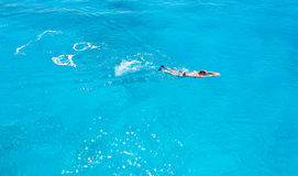 Mannschwimmen Stockfotos