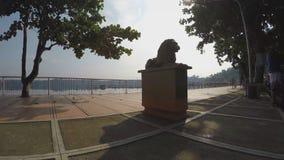 Mannweg-Seepromenade Schattenbilder stock footage