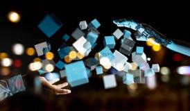 Mano bianca del cyborg facendo uso della rappresentazione digitale blu della struttura 3D del cubo Immagini Stock