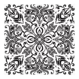 Mano che disegna il modello decorativo delle mattonelle Stile italiano della maiolica Fotografie Stock