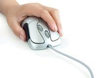 Mano con il mouse del calcolatore Fotografia Stock