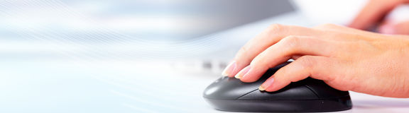 Mano con il mouse del calcolatore Immagine Stock Libera da Diritti