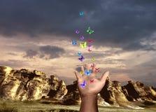Mano con la farfalla Immagini Stock Libere da Diritti