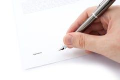Mano con la penna ed il contratto Fotografia Stock Libera da Diritti