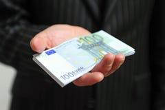 Mano con le banconote immagine stock libera da diritti