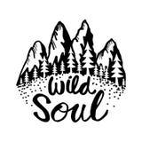 Mano creativa dibujada poniendo letras a alma salvaje ilustración del vector
