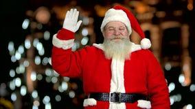 Mano d'ondeggiamento felice del Babbo Natale video d archivio