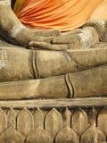 Mano de Buda en Wat Yai Chai Mongkol- Ayuttaya de Tailandia Fotos de archivo libres de regalías