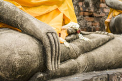 Mano de la estatua de Buda en Wat Yai Chai Mongkol Fotografía de archivo