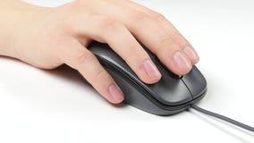 Mano de la persona en el ratón, blanco metrajes