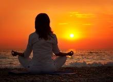 Mano de la yoga Foto de archivo libre de regalías