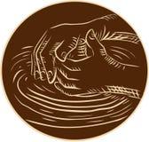 Mano del alfarero que forma la cerámica Clay Etching Foto de archivo libre de regalías