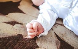 Mano del bambino sveglio Fotografia Stock