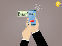 Mano del bottone commovente del deposito dell'uomo di affari dell'applicazione mobile di attività bancarie Fotografia Stock Libera da Diritti