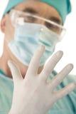 Mano del chirurgo Immagine Stock Libera da Diritti