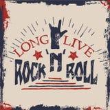 Mano del concepto que pone letras a cita musical Vive de largo el diseño de la etiqueta del rock-and-roll para las camisetas, car Foto de archivo
