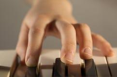 Mano del pianista Fotografia Stock