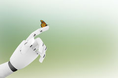 Mano del robot con una farfalla su dito del ` s Fotografie Stock