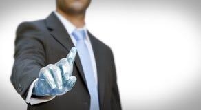 Mano del robot dell'uomo d'affari Immagine Stock