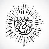 Mano del vintage dibujada poniendo letras a paz y a amor Ilustración retra del vector Fotografía de archivo libre de regalías